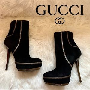 GUCCI Logo Kid Scamosciato Zipper Suede Booties